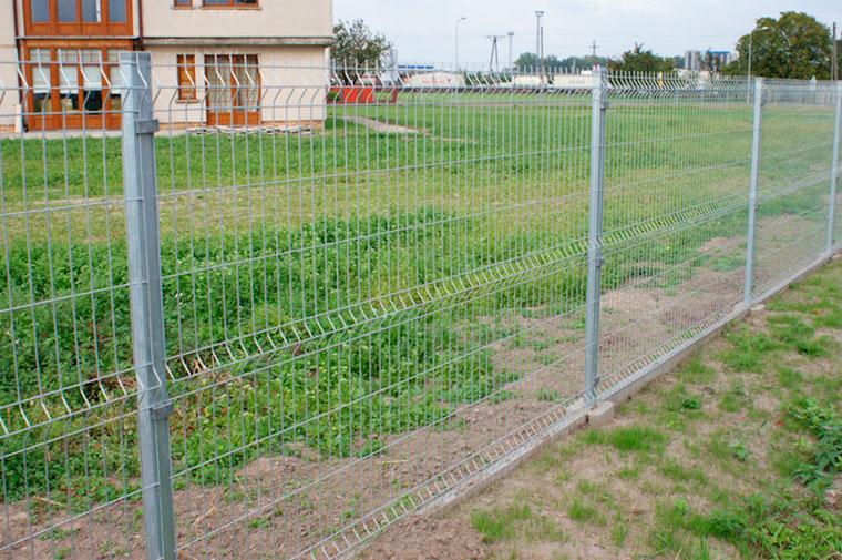 Из чего сделать забор дешево своими руками 521